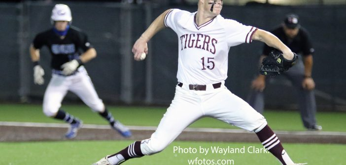DS falls in 14-inning bi-district playoff